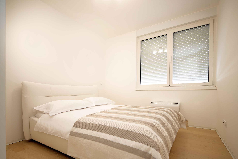 modern-apartment-near-the-sea-soba