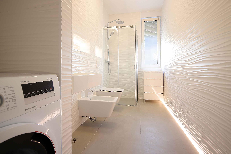 modern-apartment-near-the-sea-toilete