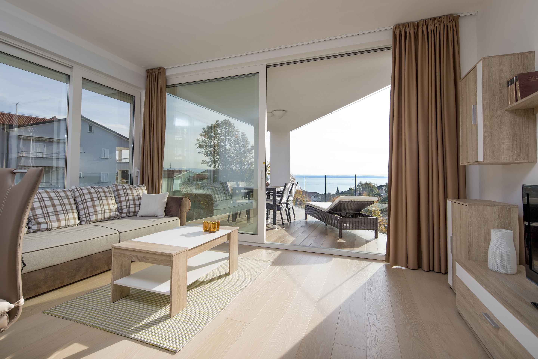 modern-apartment-near-the-sea-dnevni-boravak