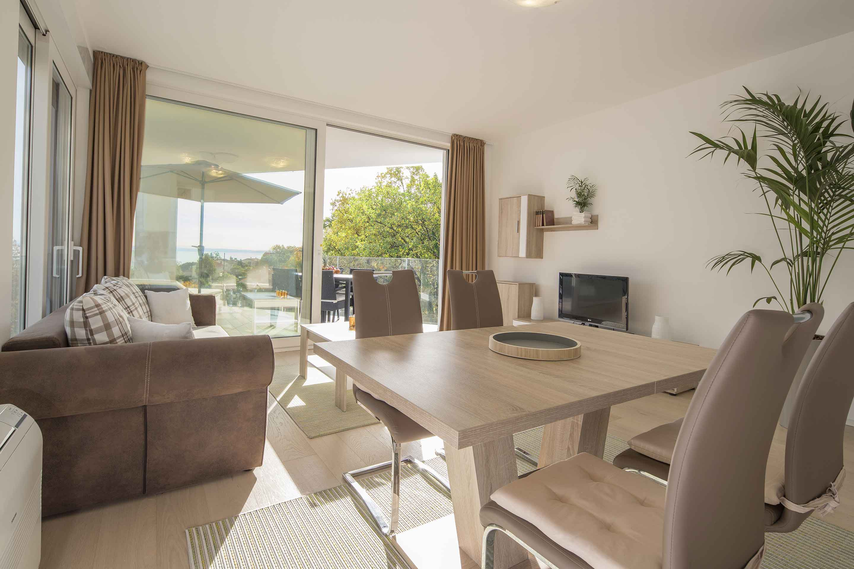 modern-apartment-near-the-sea-kitchen