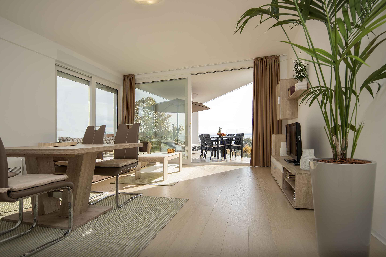 modern-apartment-near-the-sea-blagovaona