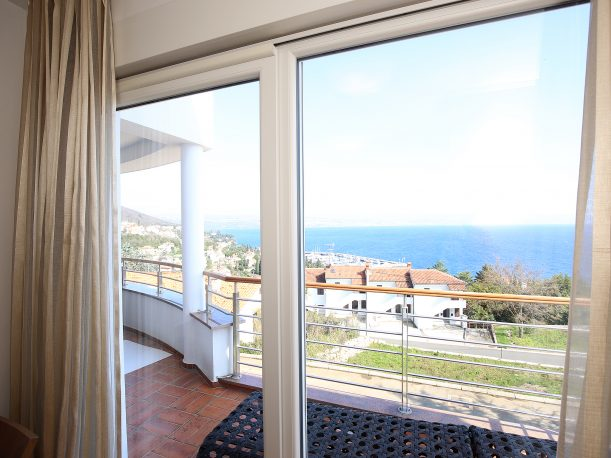 new-luxury-apartments-terace