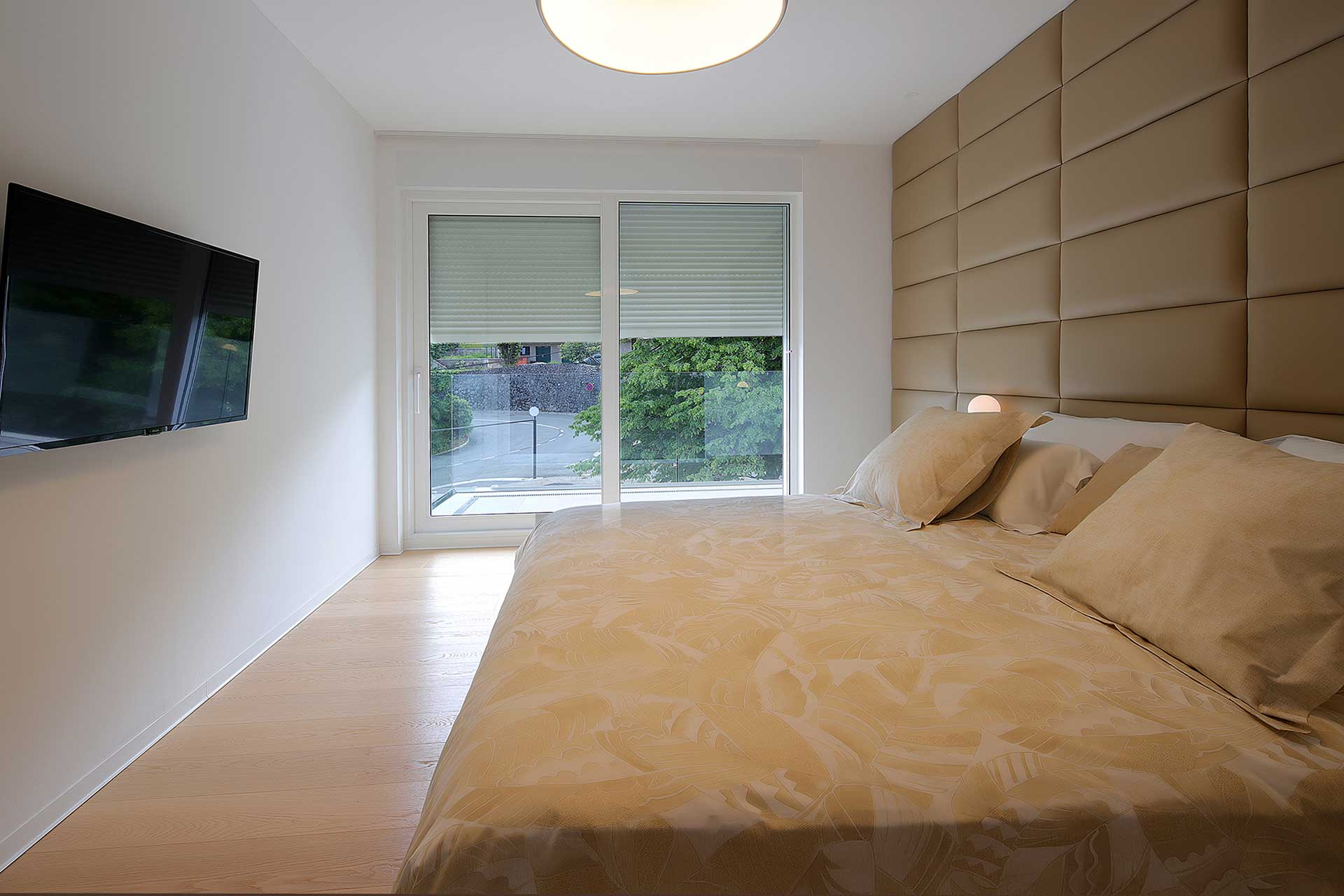 s4-Stylish-apartment-100m-from-the-beach-room