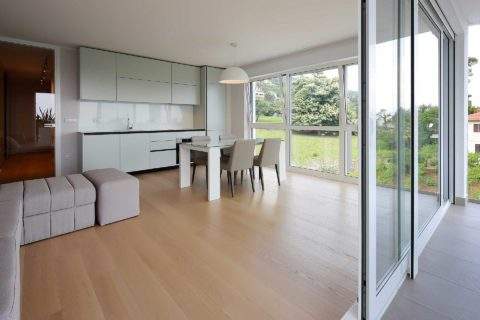 s3-stylish-apartment-100m-from-the-beach-kitchen