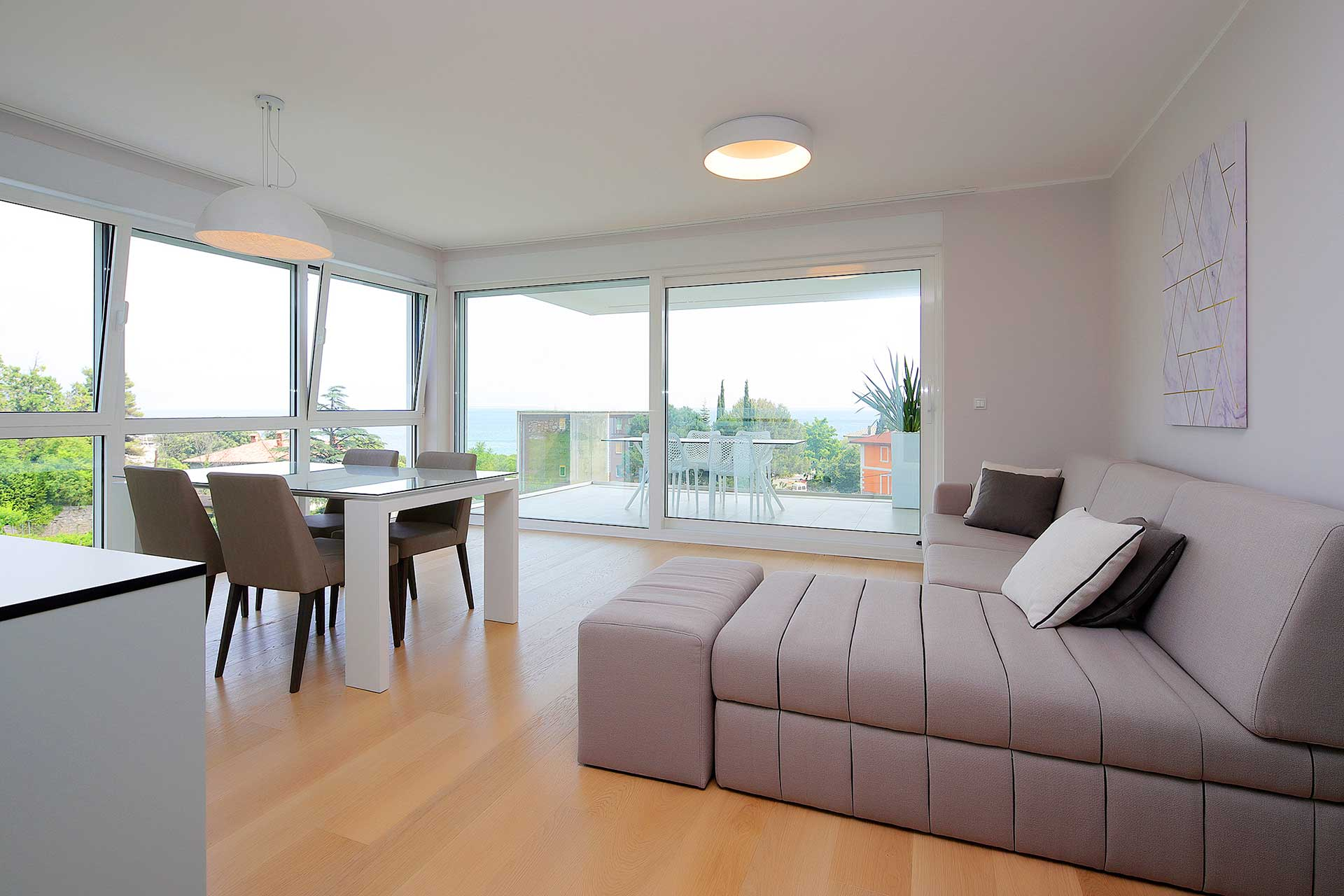 s3-stylish-apartment-100m-from-the-beach-living-room
