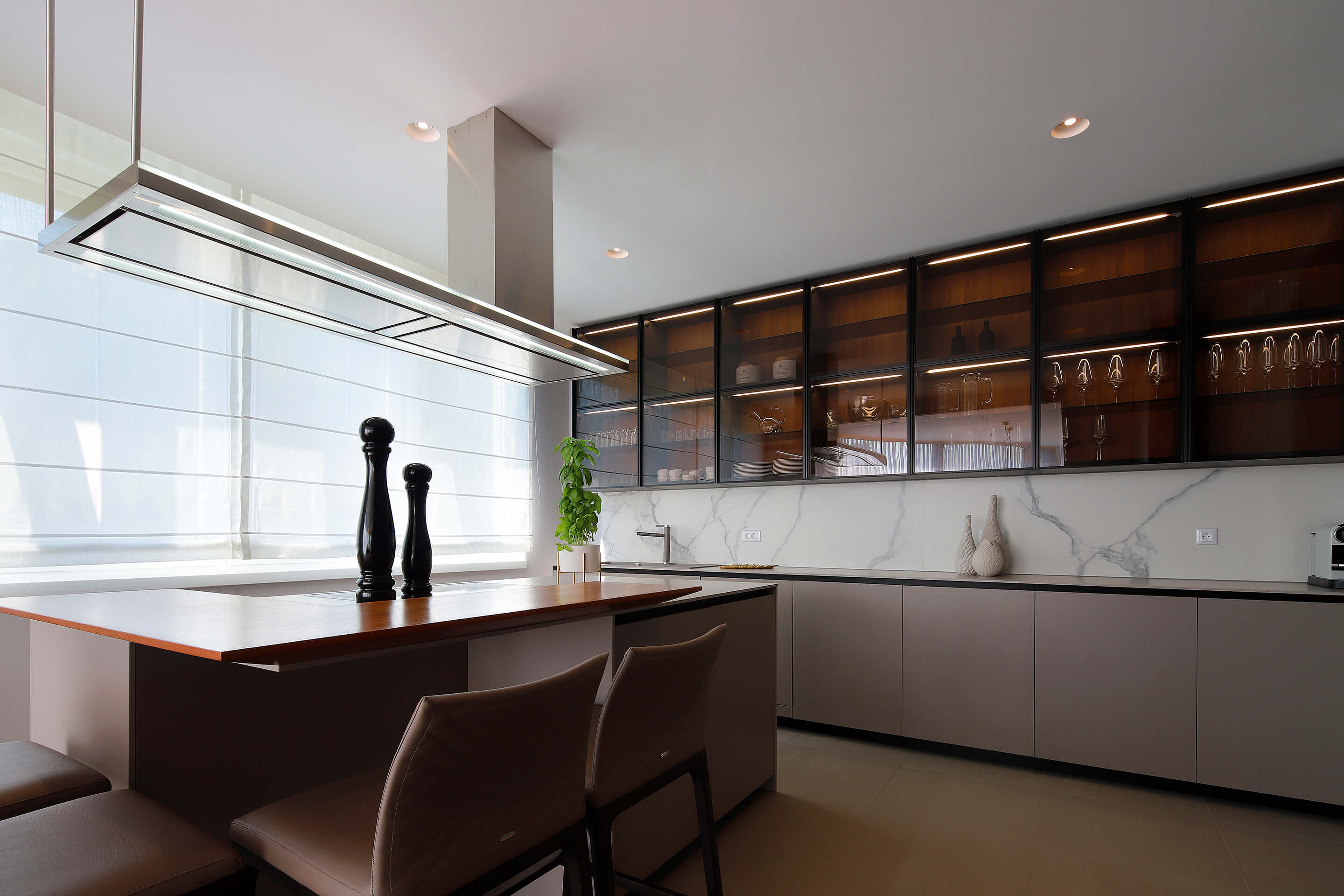 penthouse - kitchen - modern
