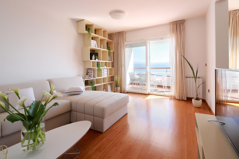 A4 living room - sea view - balcony