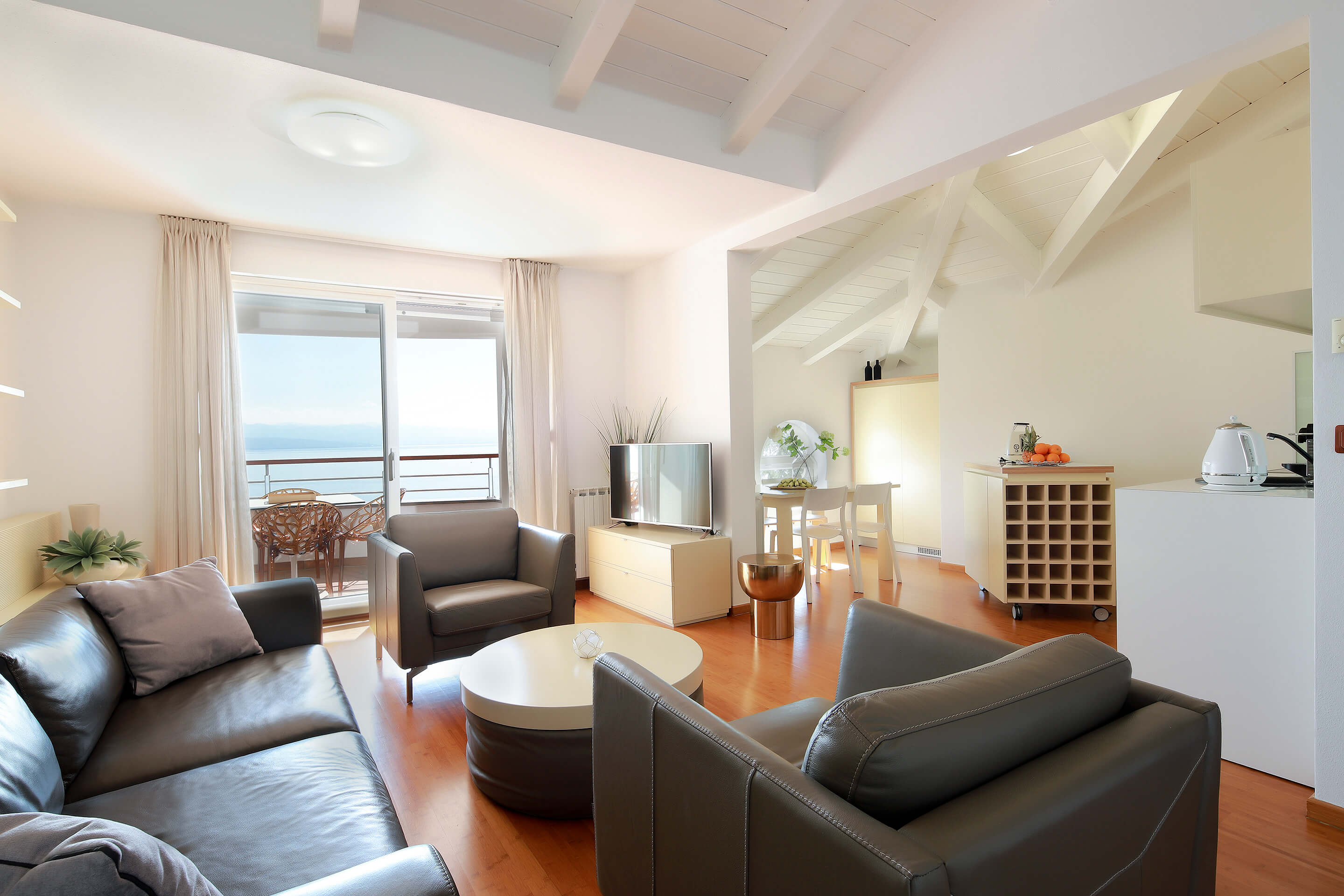 A5 - new luxury - living room - kitchen - dining area - balcony - TV - sea view