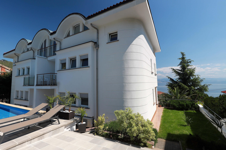 New luxury - garden - pool - building